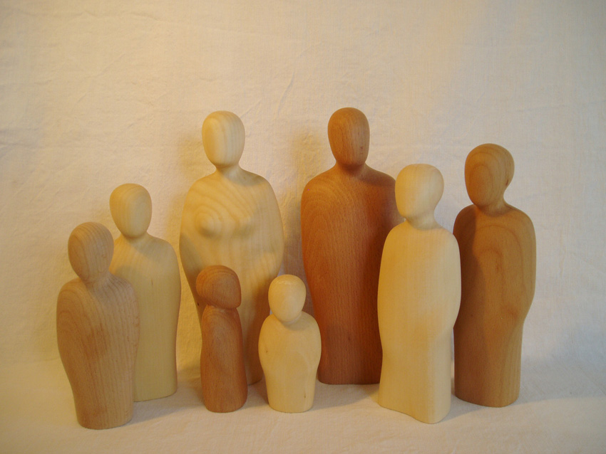 Holzfiguren Familie